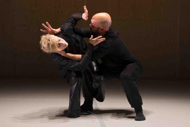 Louise Lecavalier et Rob Abubo dans Mille batailles... (Fournie par Fou glorieux)