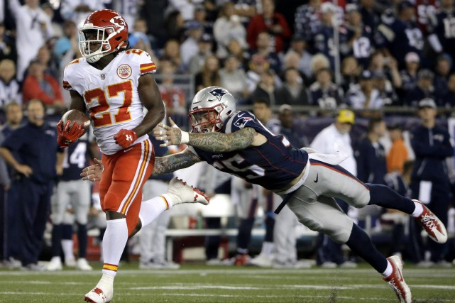 La recrue des Chiefs Kareem Hunt (27) a... (Photo Steven Senne, AP)