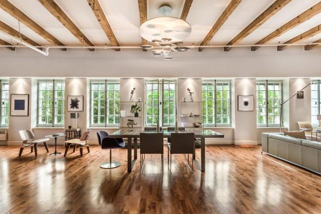 L'appartement est de type loft avec ses espaces... (Photo fournie par Sotheby's International Realty Québec)
