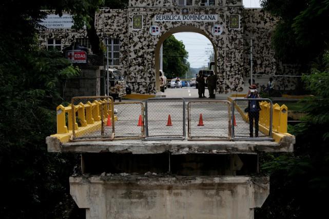 Ce pont s'est effondré lors du passage de... (Photo Reuters)