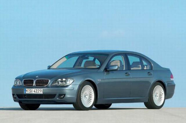 Une BMW Série 7 2005... (Photo BMW)