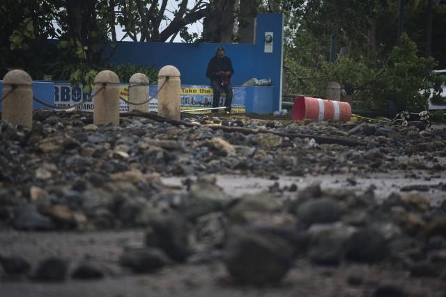 Coincée à Porto Rico, Alexandra de Moor sera... (The Associated Press)