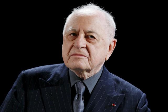 Pierre Bergé, qu'on voit ici en 2009, est... (Archives AP, Jacques Brinon)
