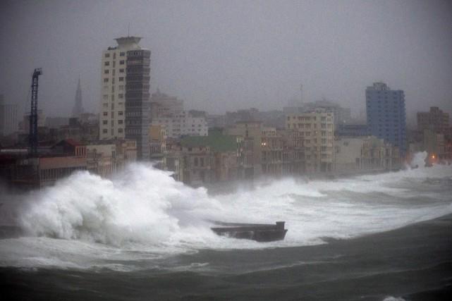 Irmaa dûrement frappé Cuba.... (Associated Press)