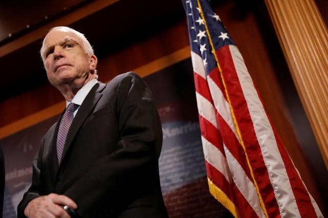 John McCainavait été l'un des trois sénateurs républicains... (PHOTO ARCHIVES REUTERS)