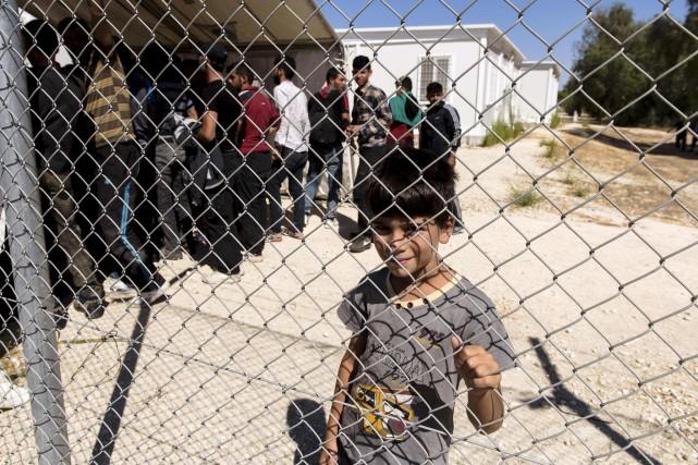 Encore dimanche, des réfugiés ont traversé la Méditerranée... (AFP, Iakovos Hatzistavrou)