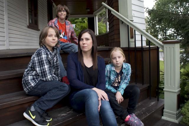 Christine Cardin et ses trois enfants, Alexandre Anthony... (Sylvain Mayer)