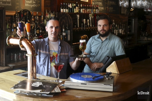 Laurent Cérat de Vinyle Scène et Tristan Arnaud... (Patrick Woodbury, Le Droit)