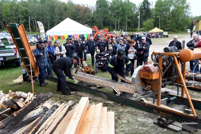 La Journée forestière annuelle a attiré des centaines... (Le Quotidien, Rocket Lavoie)