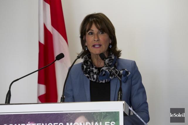 Le ministre fédéral Jean-Yves Duclos et la ministre... (Le Soleil, Caroline Grégoire)