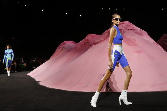 Rihanna a présenté dimanche à New York sa... (PHOTO AP)