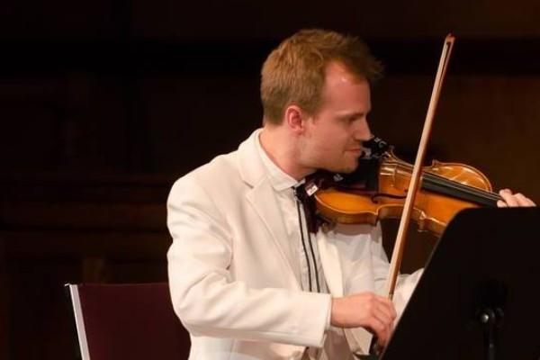 Le violoniste Marc Djokic, natif de Halifax, a remporté le prix Goyer doté... (Photo tirée de Facebook)
