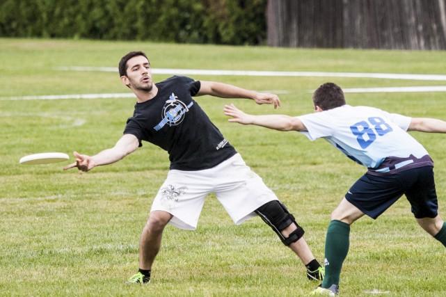 L'ultimate frisbee est un mélange de football et... (Ultimate Granby)