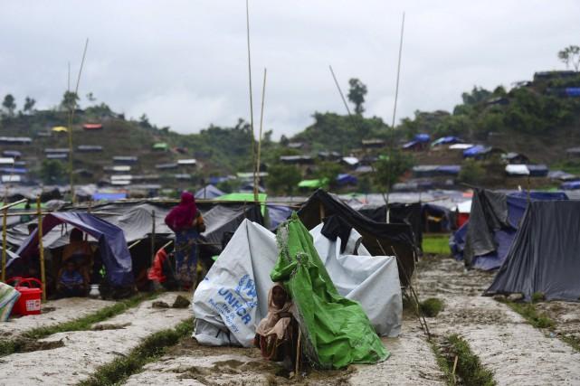 Quelque 370 000 Rohingyas, minorité musulmane persécutée dans... (AFP, Munir Uz Zaman)