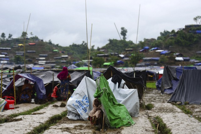 Quelque 380 000 Rohingyas se sont réfugiés au... (AFP, Munir Uz Zaman)