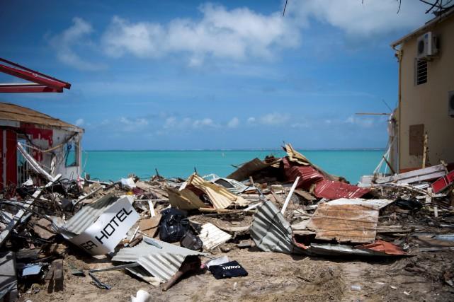 L'île Saint-Martin photographiée le 11 septembre 2017, après... (AFP, Martin Bureau)