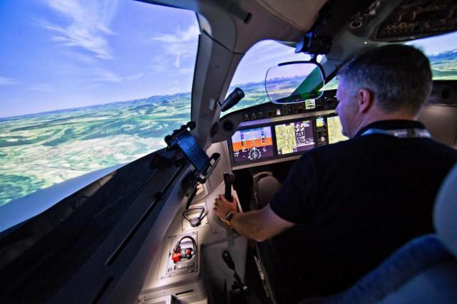 Chaque simulateur de vol utilise un environnement logiciel... (Photo Patrick Sanfaçon, Archives La Presse)