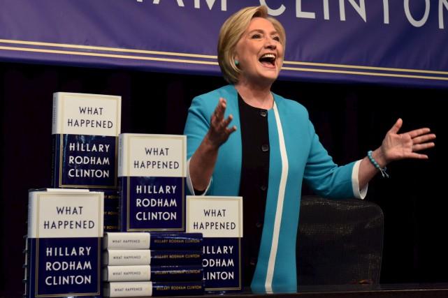 Hillary Clinton a publié le récit personnel de... (AFP, Timothy A. Clary)