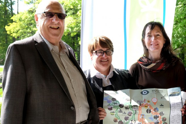 Le maire de Shefford, André Pontbriand, la coordonnatrice... (Alain Dion)