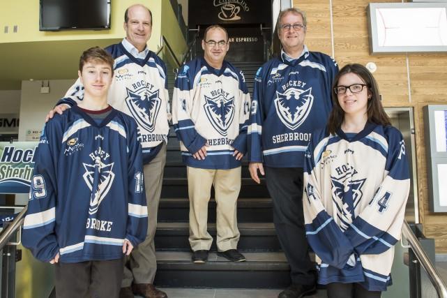Les joueurs de hockey de catégorie midget Alexandre... (Spectre Média, Jessica Garneau)