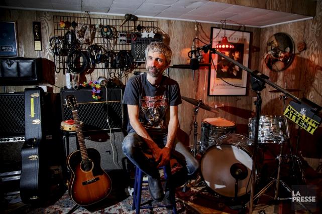 Éric Goulet, chanteur et guitariste des Chiens. Le... (La Presse, Alain Roberge)