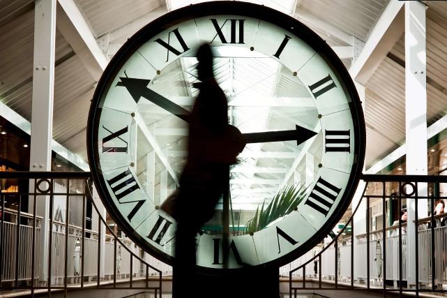 Au moment où les Albertains débattent de la pertinence de changer l'heure deux... (ARCHIVES AFP)