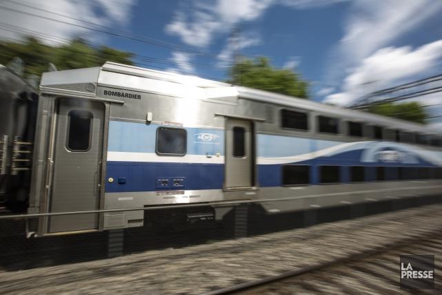 Une adolescente a été heurtée par un train à la gare de train Roxboro, dans... (ARCHIVES LA PRESSE)