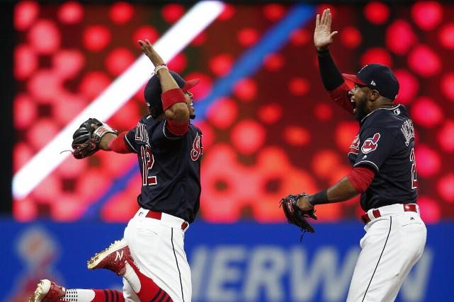 Les Indians de Cleveland ont défait les Tigers de Detroit 2-0, mardi soir,... (PHOTO AP)