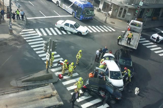 Trois véhicules ont été impliqués dans un accident,... (Le Soleil)