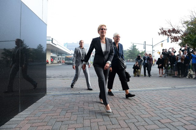 Kathleen Wynne (à l'avant)... (Photo Sean Kilpatrick, La Presse Canadienne)