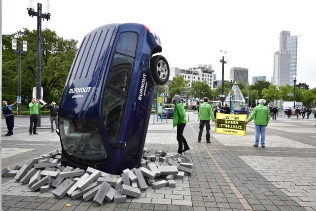 Les constructeurs allemands tentent de défendre le diesel,... (Photo : AFP)