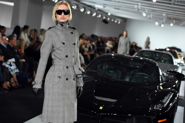 Pour le défil Ralph Lauren, le style tweed... (PHOTO AFP)