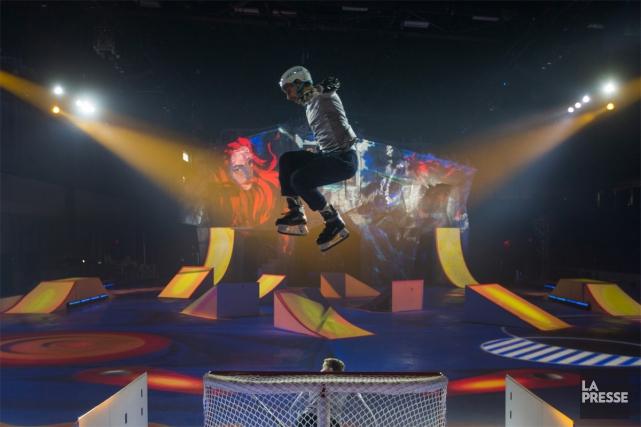 Le Cirque du Soleil a dévoilé hier, dans un aréna de Saint-Roch-de-l'Achigan,... (PHOTO IVANOH DEMERS, LA PRESSE)