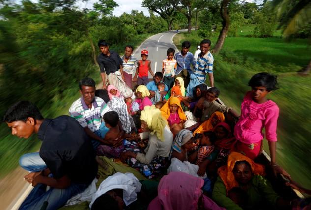 Plus de 379 000 Rohingyas se sont réfugiés... (PHOTO REUTERS)