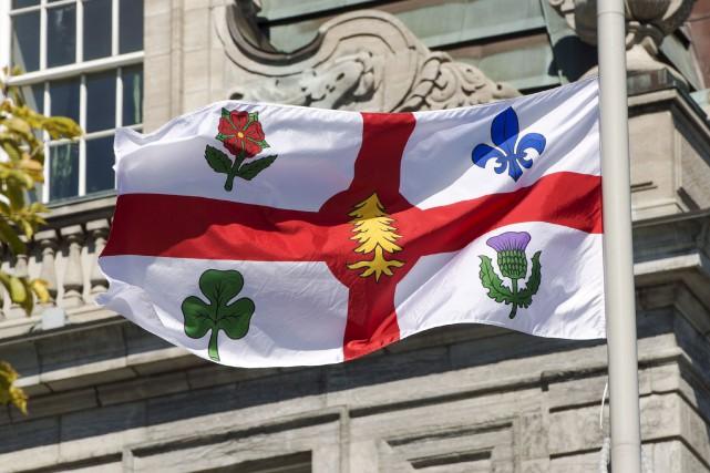 Mercredi, Montréal a ajouté à son drapeau un... (La Presse canadienne, Ryan Remiorz)
