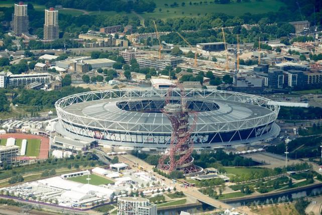 Cinq ans après les jeux Olympiques, le quartier... (AFP, NIKLAS HALLE'N)