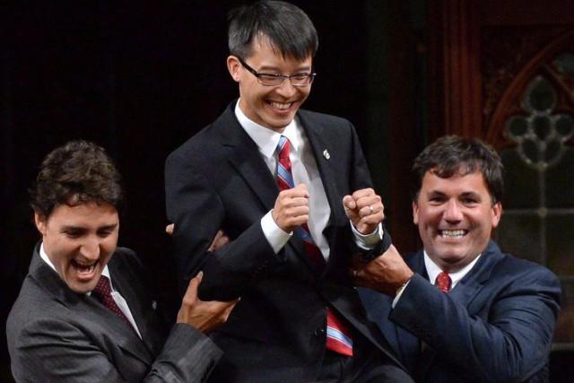 Justin Trudeau, Arnold Chan et Dominic LeBlanc, en... (Photo Sean Kilpatrick, archives La Presse Canadienne)