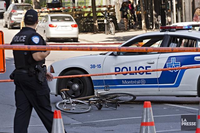 Un cycliste a subi des blessures importantes, à l'heure de pointe ce matin,... (Photo Patrick Sanfacon, La Presse)