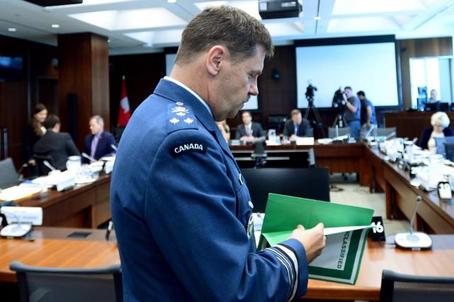 Le lieutenant-général Pierre St-Amand a témoigné jeudi devant... (La Presse Canadienne)