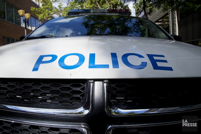Le colis suspect retrouvé vendredi soir par le Service de police de la Ville de... (PHOTO ALAIN ROBERGE, ARCHIVES LA PRESSE)