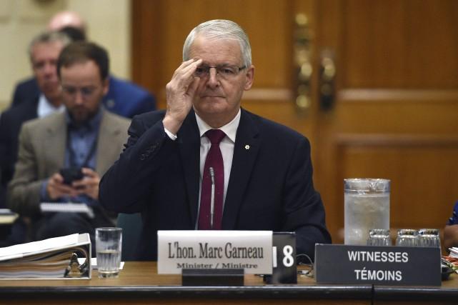 Marc Garneau défendait sa Déclaration pour les droits... (La Presse Canadienne)