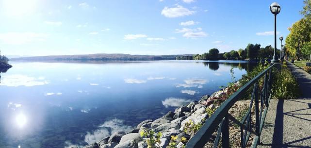 Le lac Mégantic et le parc des Vétérans... (Photo fournie par Un parc, un lac)