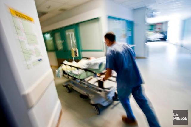 Quatre infirmiers ont accepté de briser le silence... (Photo Martin Chamberland, archives La Presse)