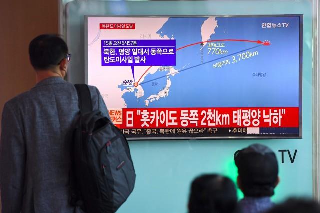 Pyongyang a tiré vendredi matin un missile sur... (PHOTO JUNG Yeon-Je, AFP)