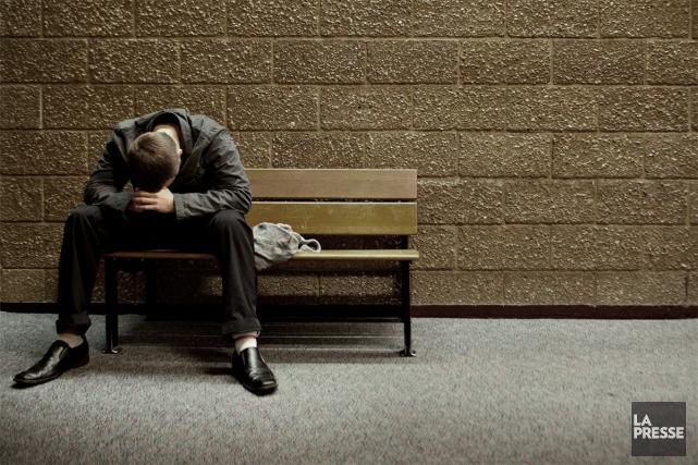 Perdre son emploi peut être un dur coup... (Photo Archives Bloomberg / Photomontage La Presse)
