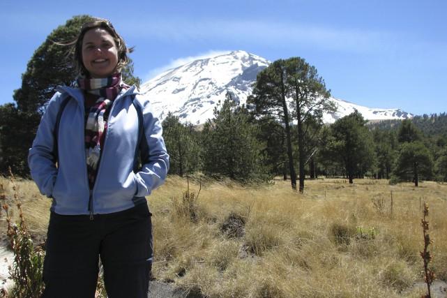 Originaire de Nicolet, Julie Roberge est volcanologue. Elle...