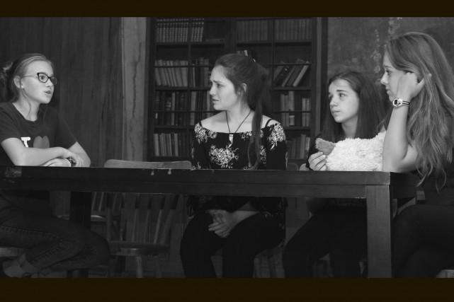 Sabrina Angers (deuxième à partir de la gauche)... (Diane Poulin)