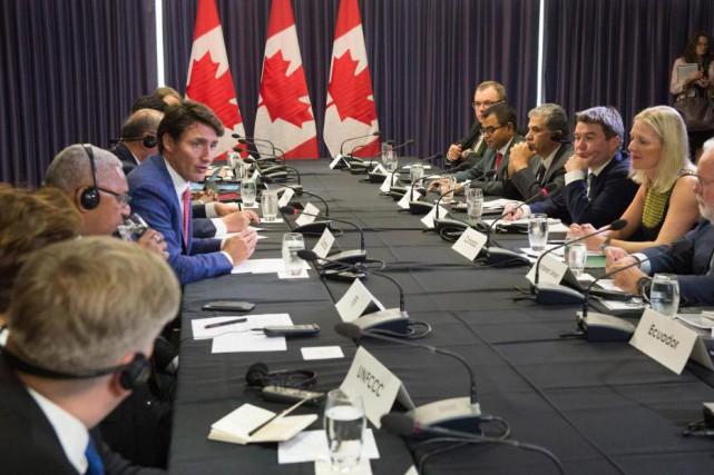 Le premier ministre Justin Trudeau a accueilli des... (Photo Paul Chiasson, La Presse canadienne)