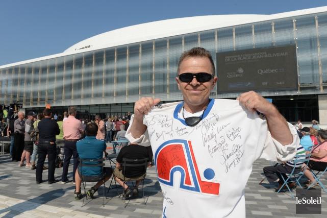 Un amateur des Nordiques lors de l'inauguration de... (Photo Jean-Marie Villeneuve, Le Soleil)