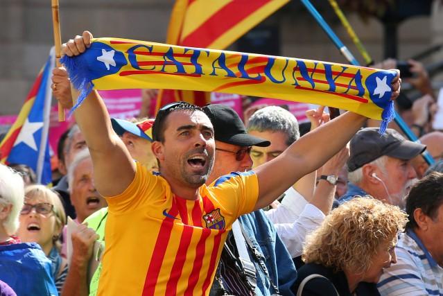 Le gouvernement indépendantiste de Catalogneest déterminé à organiser... (PHOTO REUTERS)